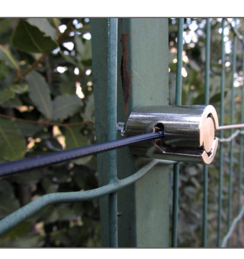 Protezioni perimetrali in fibra di plastica su recinzioni   TAGEDIL